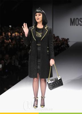 Кэти Перри модель от Moschino в Милане