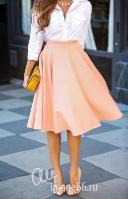Светлая юбка-полусолнце