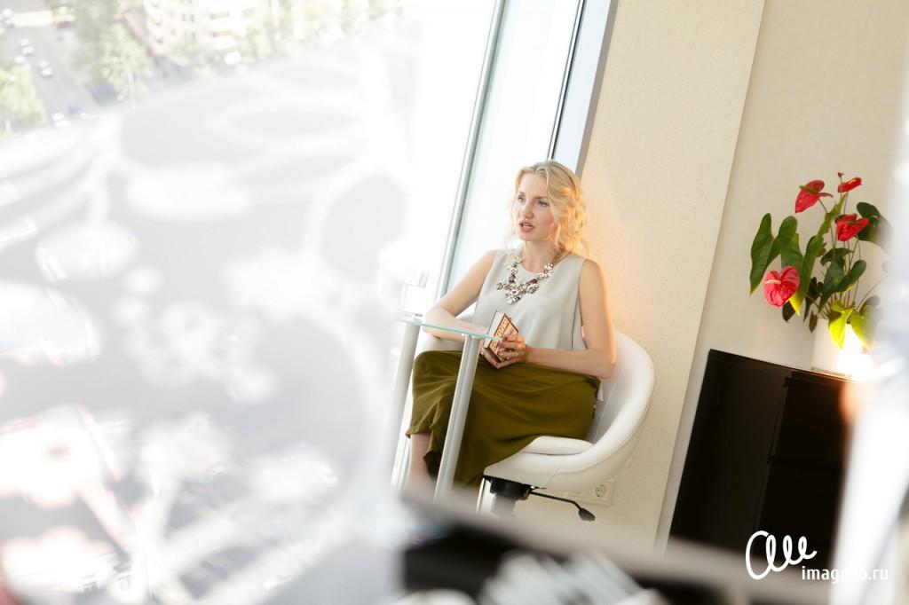Юлия Мурадян дает интервью