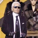 Карл Легерфельд и его дорогие шубы на моделях
